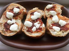 Biber Salçalı Peynirli Ekmek