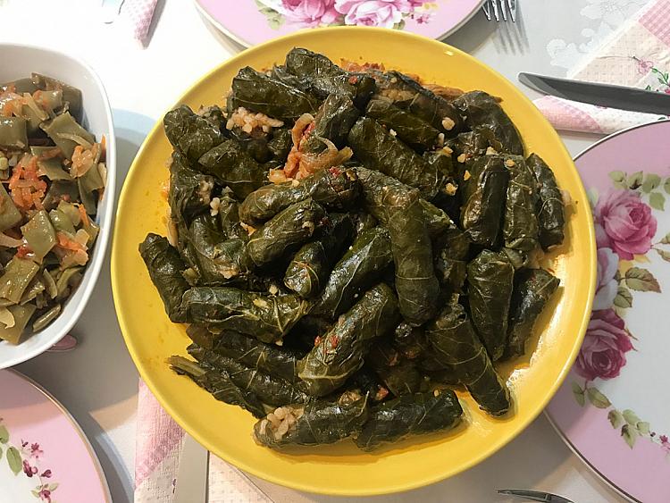 Bulgurlu Kara Lahana Dolması