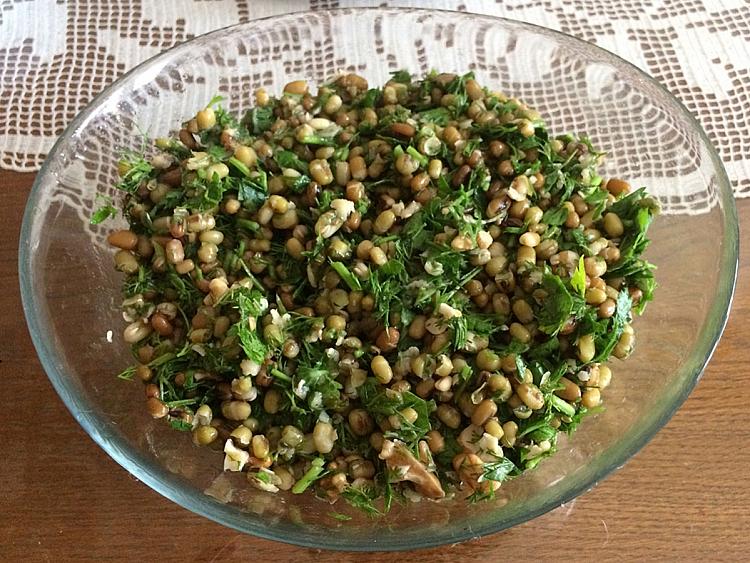 Cevizli Maş Fasulyesi Salatası