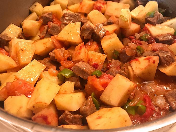 Etli Patates Yemeği