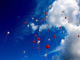 Geçmişten Günümüze En Havalı Sevgililer Günü Kampanyaları