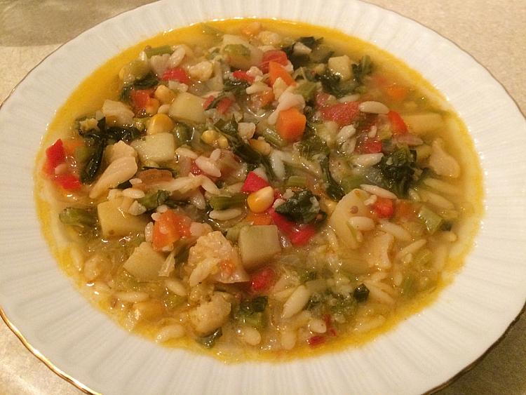 Kara Lahanalı Sebze Çorbası