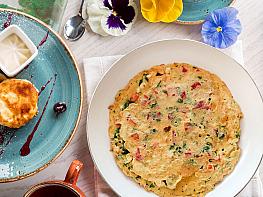 Kırmızı Biberli Omlet
