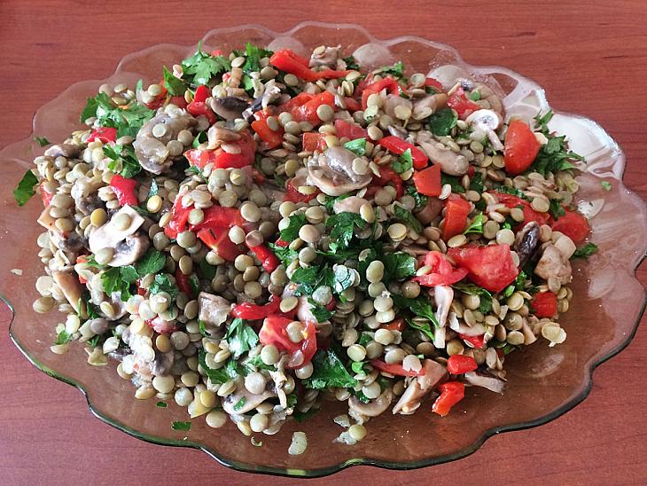 Mantarlı Yeşil Mercimek Salatası