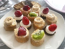 Meyveli Küçük Pastalar