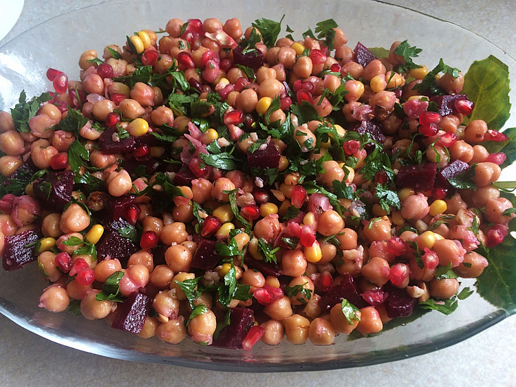 Pancarlı Nohut Salatası