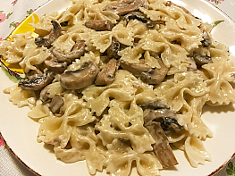 Parmesan Peynirli Mantarlı Makarna