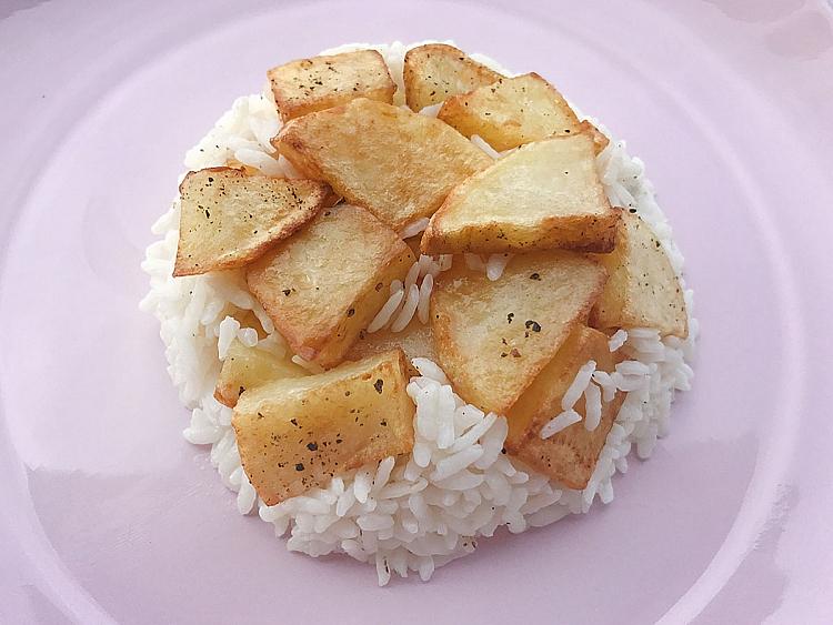 Patatesli Pilav