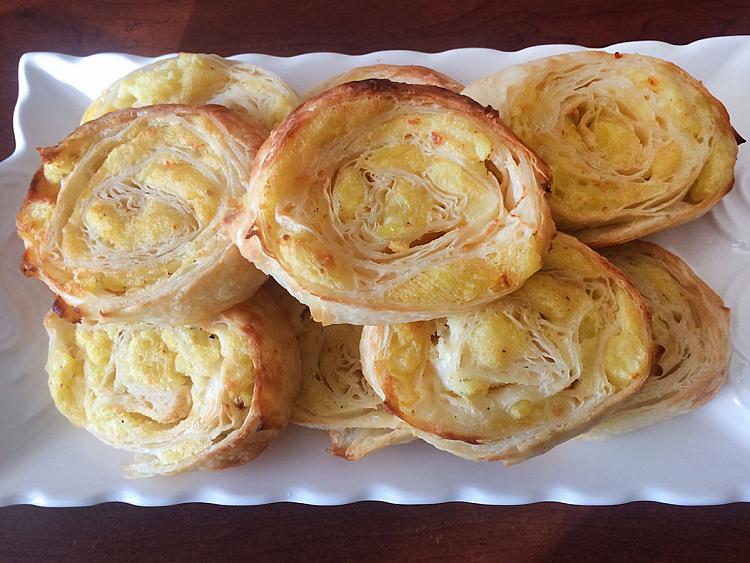 Patatesli Rulo Börek (Buzluk Börek)