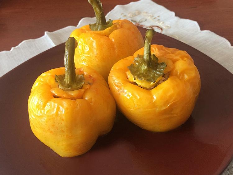 Zeytinyağlı Sarı Biber Dolması