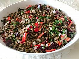 Narlı Yeşil Mercimek Salatası