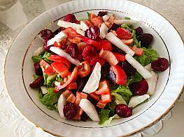 Vişneli Yer Elması Salatası