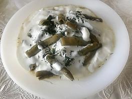 Yoğurtlu Bakla Salatası